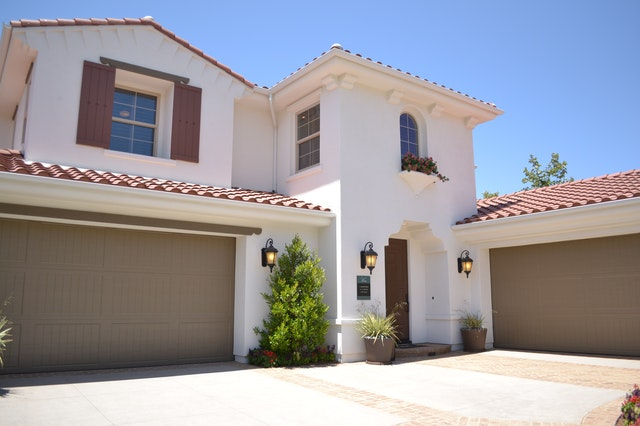 Installing A Garage Door: 5 Things To Consider